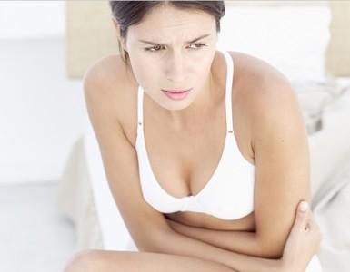 ubeskyttet samleie rett før mensen gjennomsiktig truse